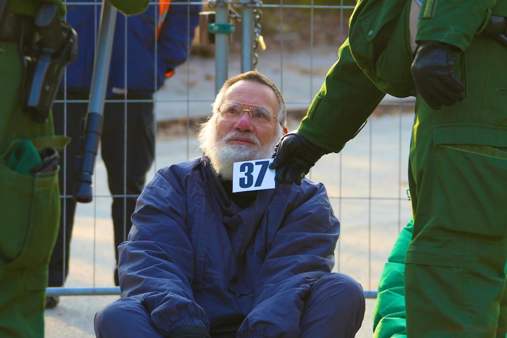 Dr. Wolfgang Sternstein blockiert Zufahrt ©weiberg (1)