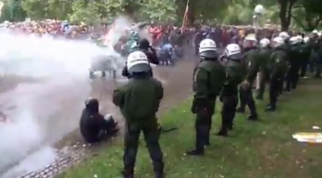 http://www.stern.de/panorama/stern-crime/stuttgart-21--so-brutal-gingen-polizisten-gegen-demonstranten-vor-6464880.html