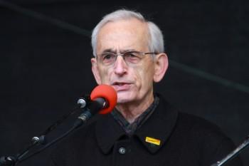 Egon Hopfenzitz (ehem. langjähriger Leiter der Oberzugleitung bei der Bundesbahndirektion Stuttgart)