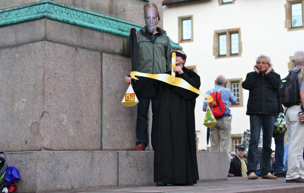 Justiz & Bahn ©weiberg